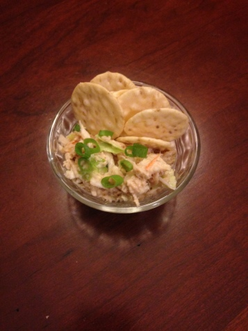 Rice crackers with chicken salad